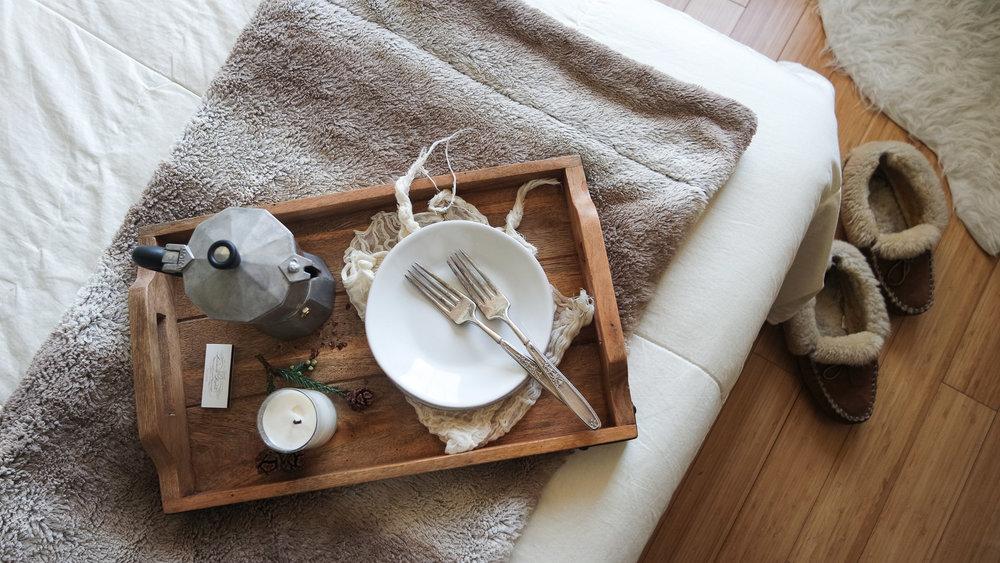 cozy-winter-bedroom-with-airweave7.jpg