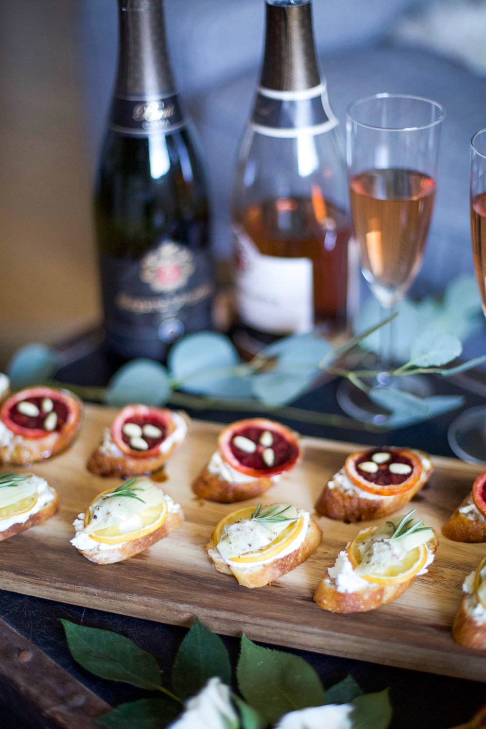 girls-get-together-idea-bubbles-bruschetta-and-bouquets5.jpg
