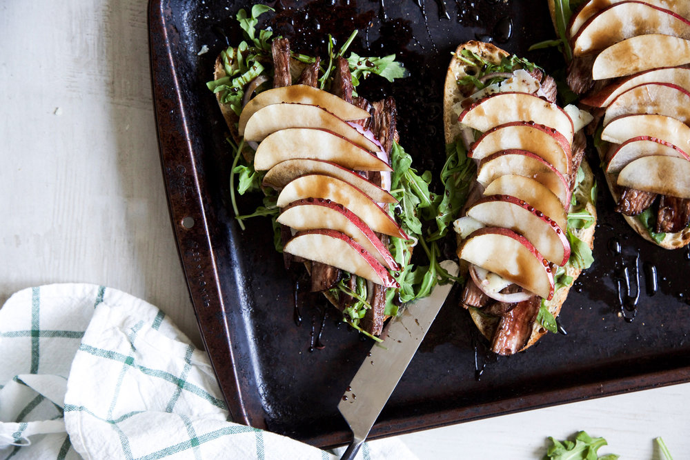 OPEN-FACED BALSAMIC STEAK SANDWICHES - Yields 4