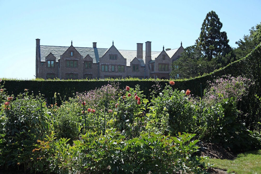 gardens-at-Doris-Dukes-Newport-home.jpg