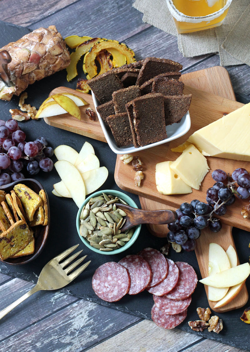 ASSEMBLE A FUSS-FREE APP - this autumn cheeseboard couldn't be easier (or more delicious)