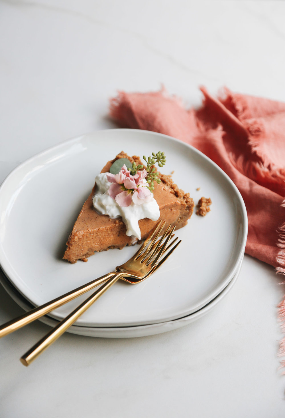no-bake pumpkin pie with gingersnap crust (4 of 8).jpg
