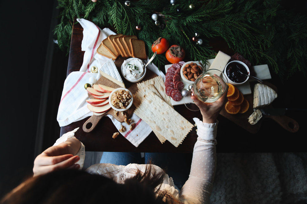 how to create a holiday cheeseboard for under 35 dollars9.jpg