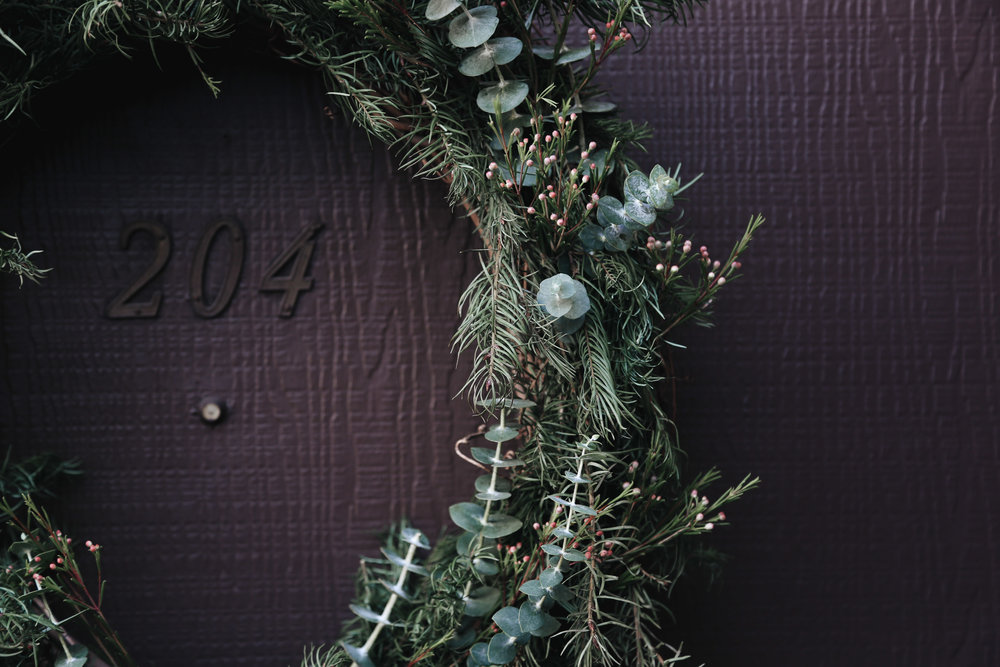 diy natural christmas wreath2.jpg