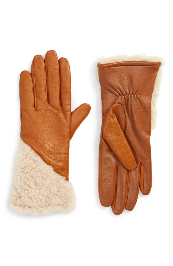 GLOVES - UGG, $77.98Order by 12/21 at 12Pm est