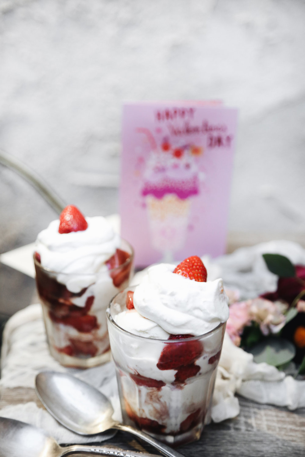 STRAWBERRIES & CREAM SUNDAES - SERVES 2-4