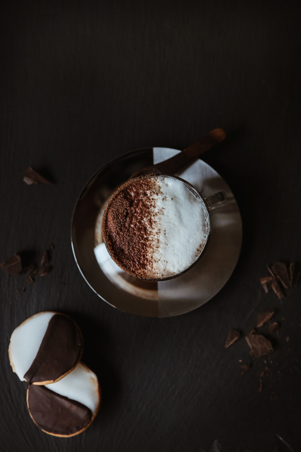 BLACK + WHITE COOKIE LATTE - serves 1