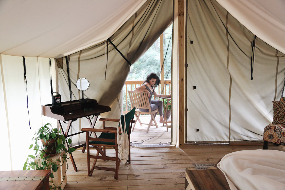 EVERYTHING TO KNOW ABOUT glamping - travel tips // FEATURED STORY
