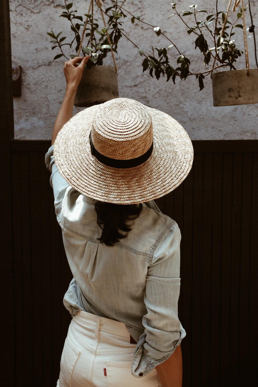 straw boater hat denim shirt white levis.jpg