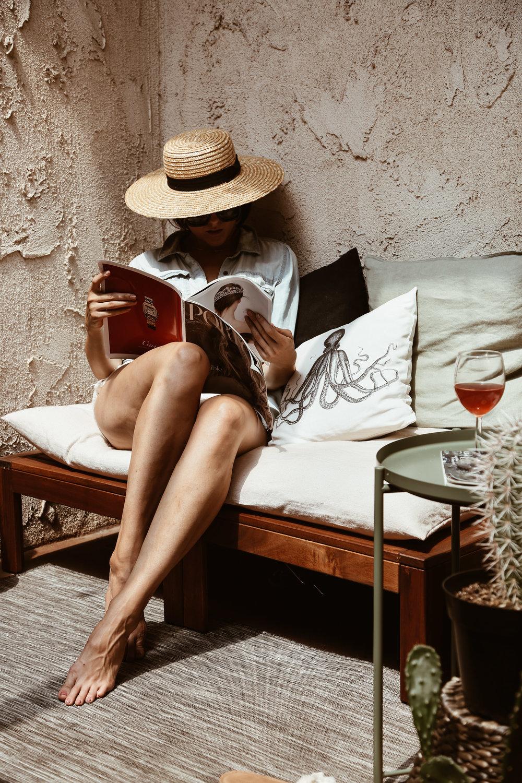 summer style boater hat porter magazine weekend relaxing.jpg