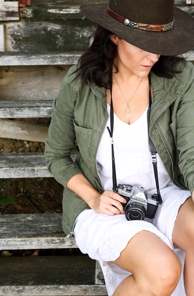 white+linen+dress+++green+jacket11.jpg