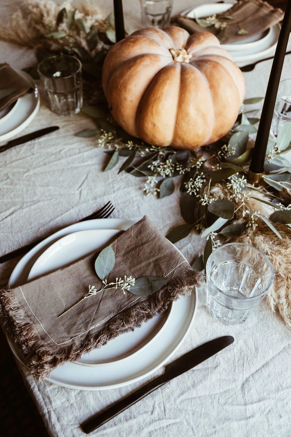 easy thanksgiving tablescape-5.jpg