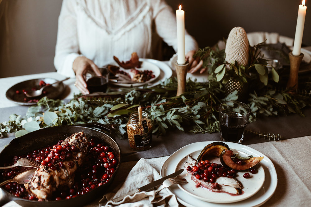 easy holiday tablescape-15.jpg