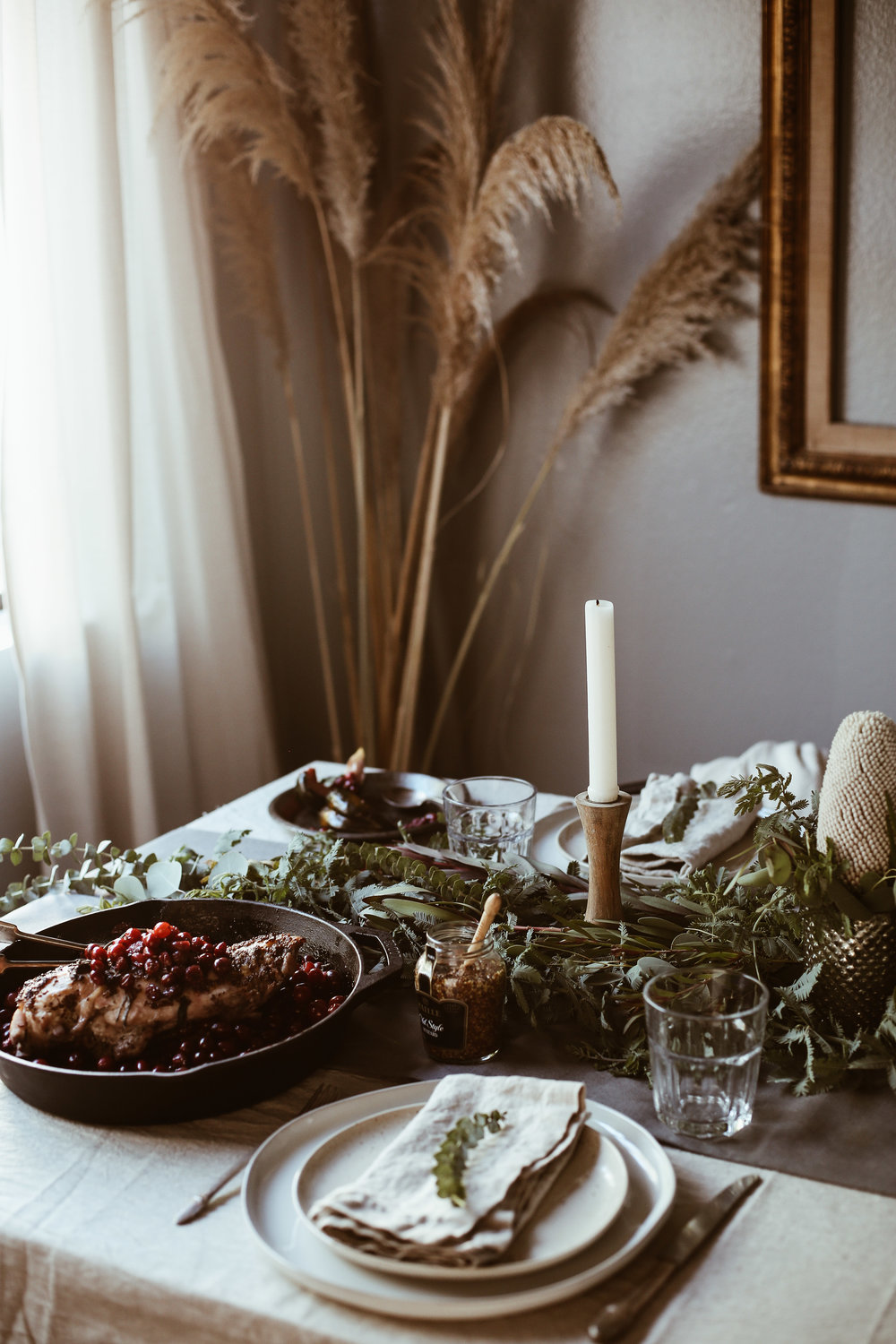 easy holiday tablescape-12.jpg