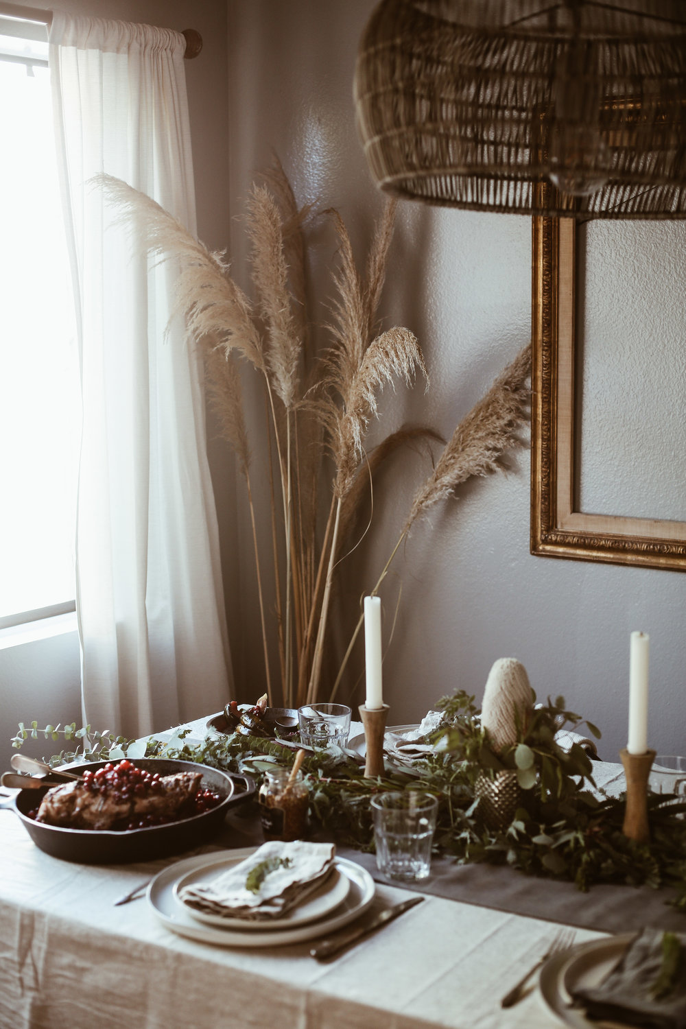 easy holiday tablescape-13.jpg