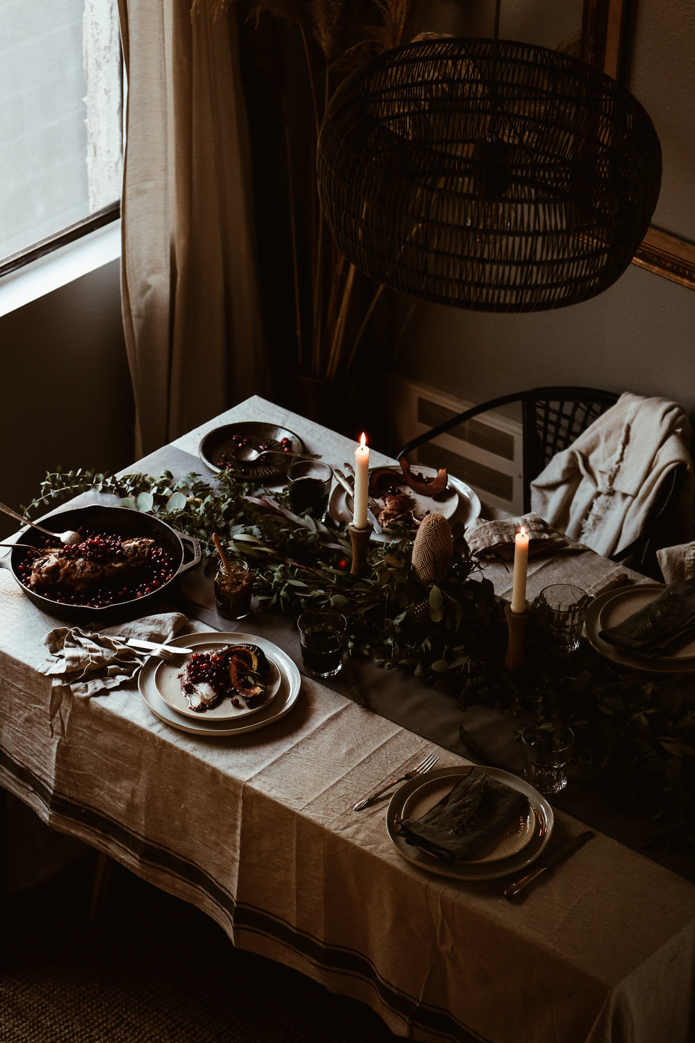 easy holiday tablescape-16.jpg