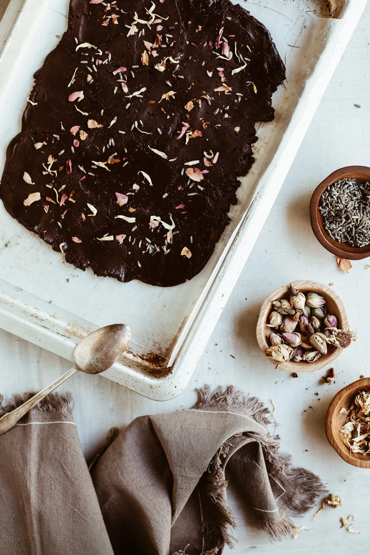 chocolate bark with cbd oil and flowers-3.jpg