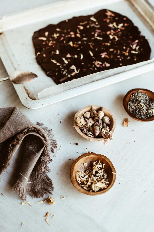 chocolate bark with cbd oil and flowers-4.jpg