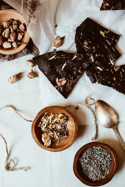 chocolate bark with cbd oil and flowers-7.jpg