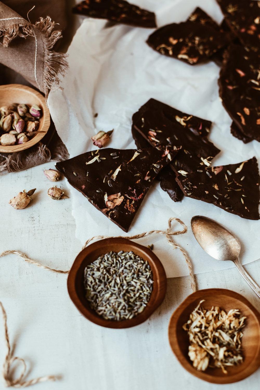 chocolate bark with cbd oil and flowers-9.jpg