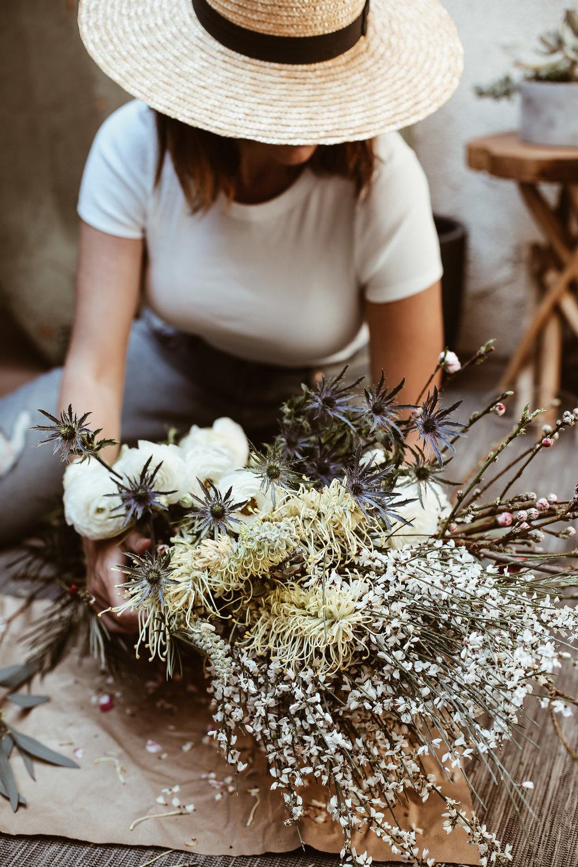 diy spring wildflower arrangment -4.jpg