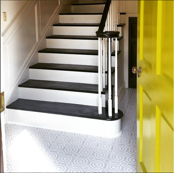 Mustard yellow door with platinum and white chime.png