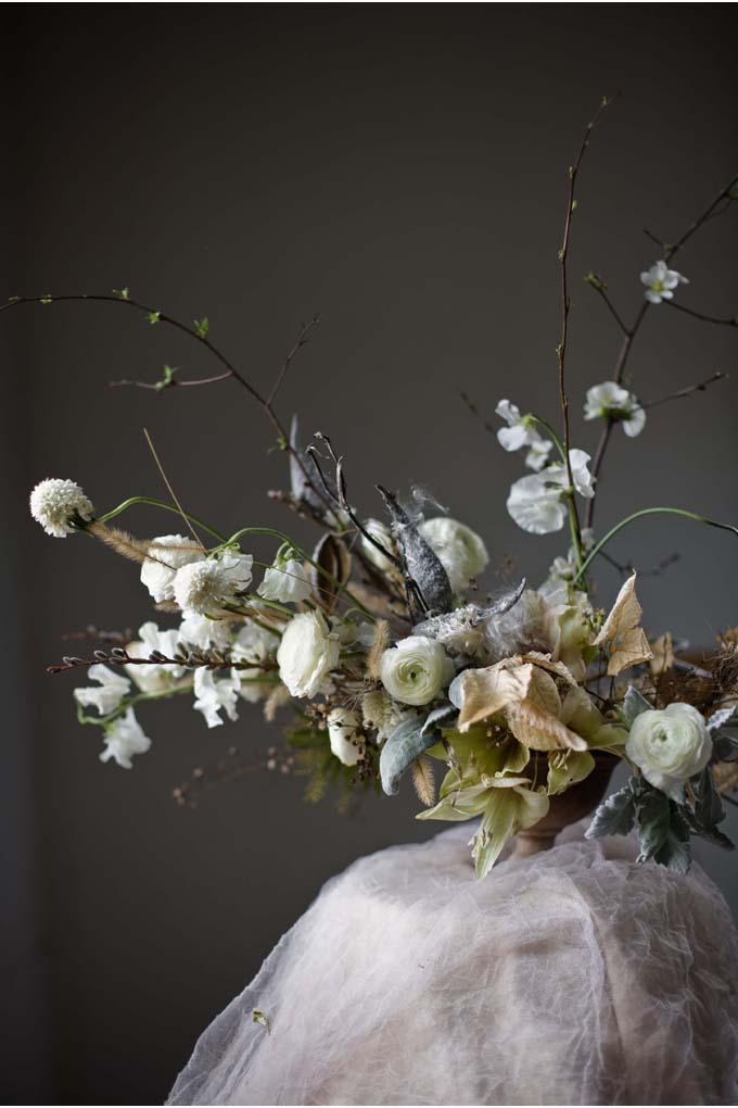 Katie-Wachowiak-winter-wedding-flowers