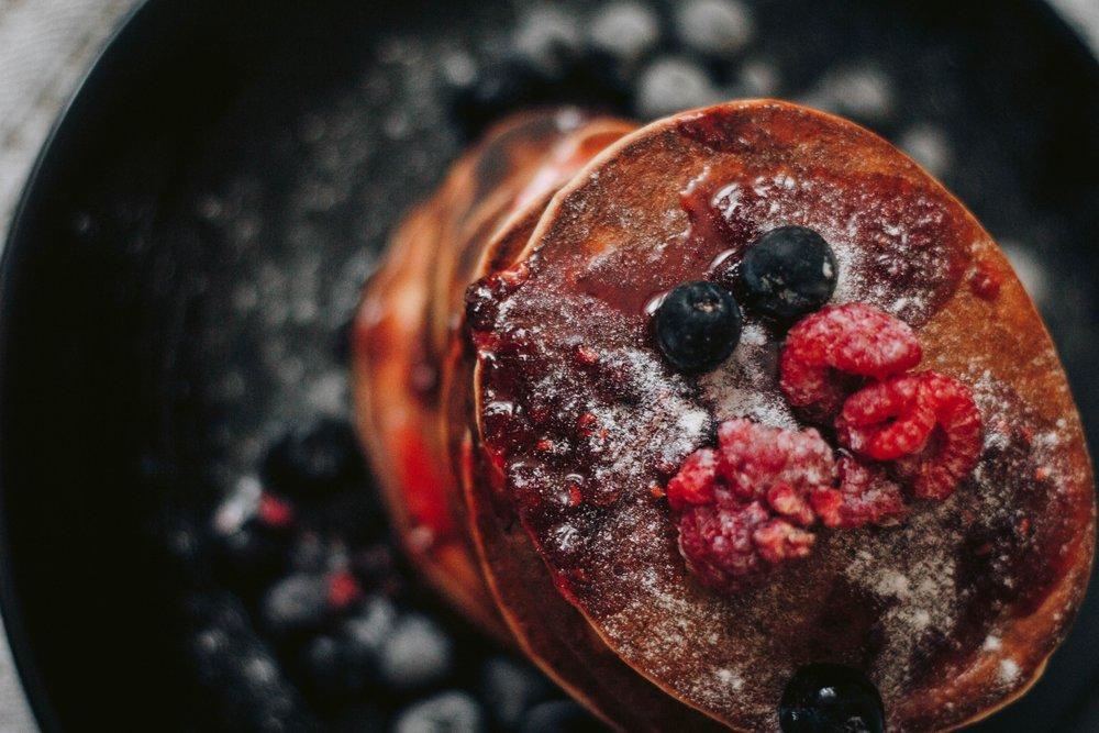 berries-breakfast-close-up-821398.jpg