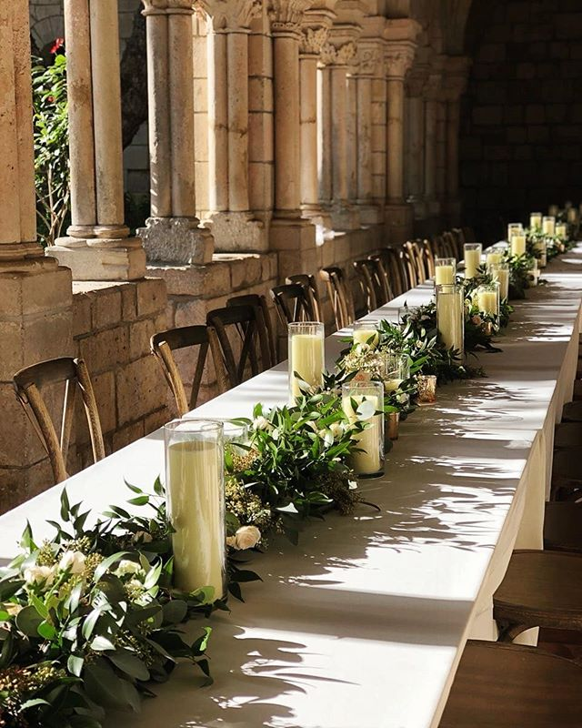 Beautiful day,  beautiful place,  beautiful couple. ____________________________________  #wedding #weddingcelebrations #floraldesign #flowerstagram #lovestory #fieldofflowers #floralartistry #elegance #simplicty #modernart #monastery #vintage #gardenlook