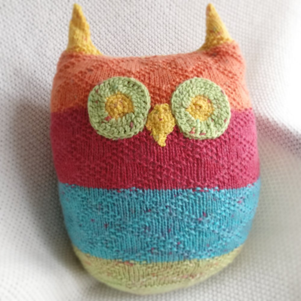 The owl pillow that I made to finish up the second cake I got