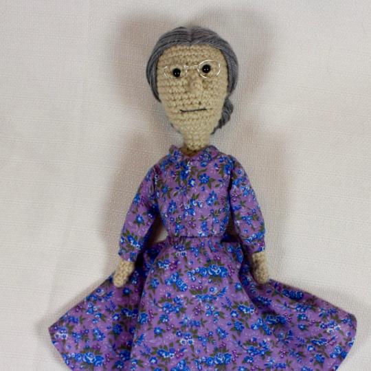 granny front no apron.png