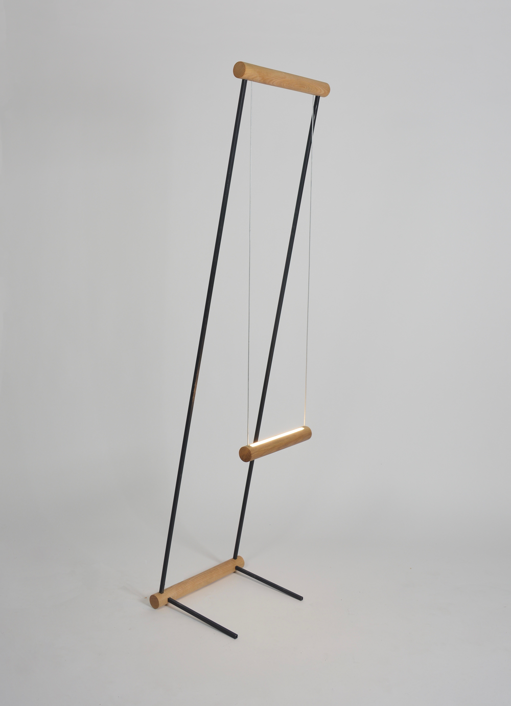 OVUUD - Swing Floor Lamp.png