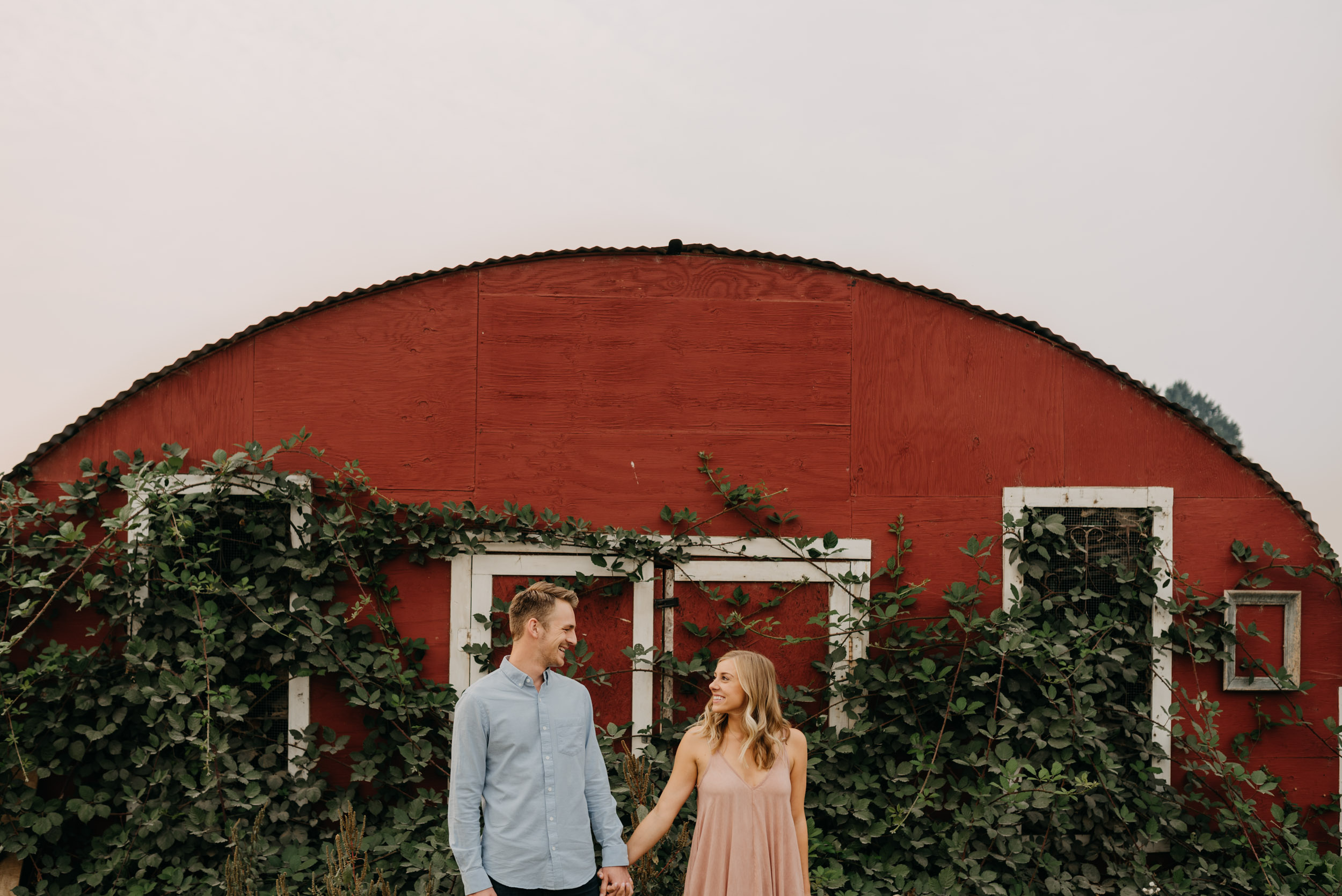 Oregon-Red-Barn-Door-Engagement-Sauvie-3393.jpg