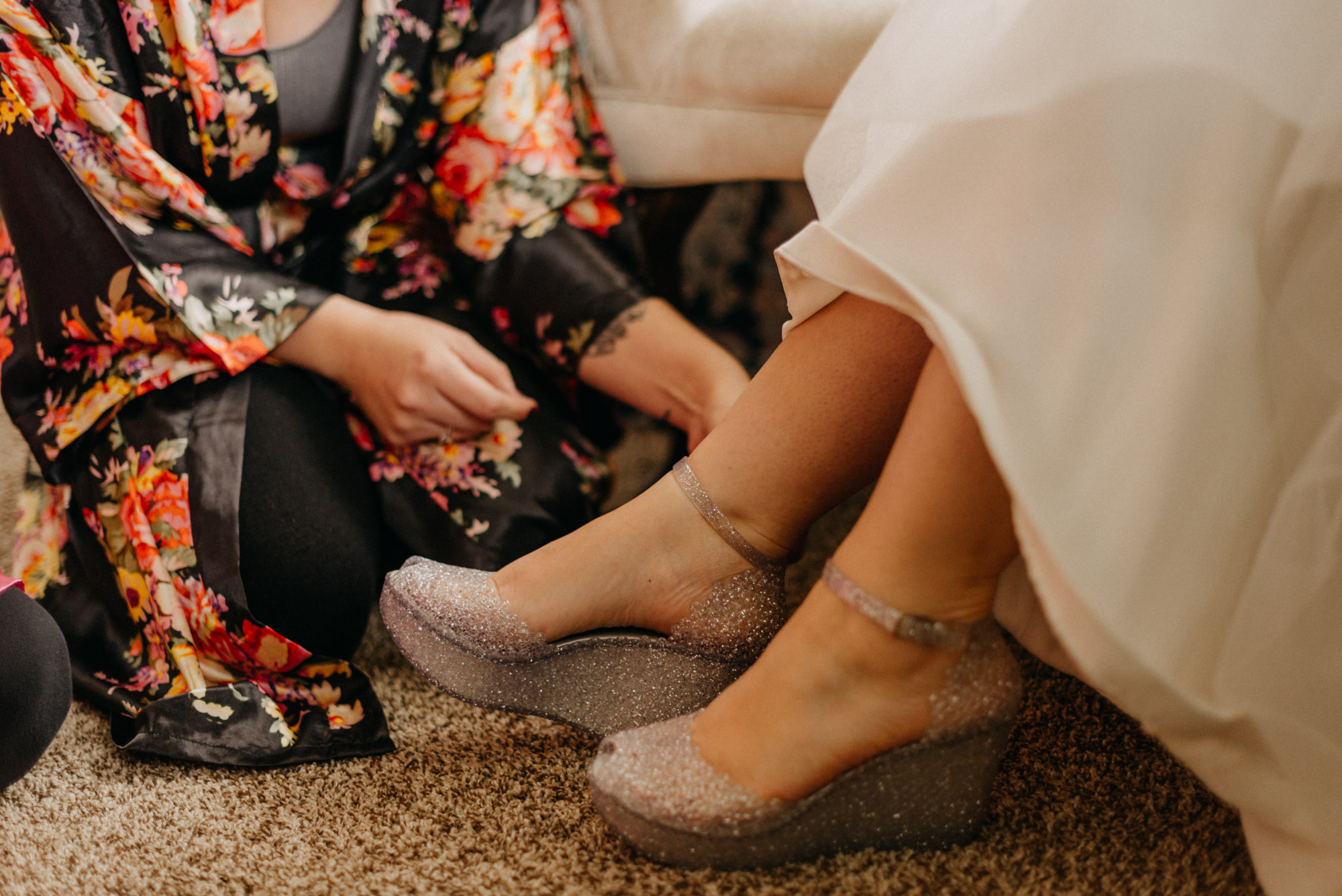 Getting-Ready-Swingset-Washington-Wedding-ringshot-5109.jpg