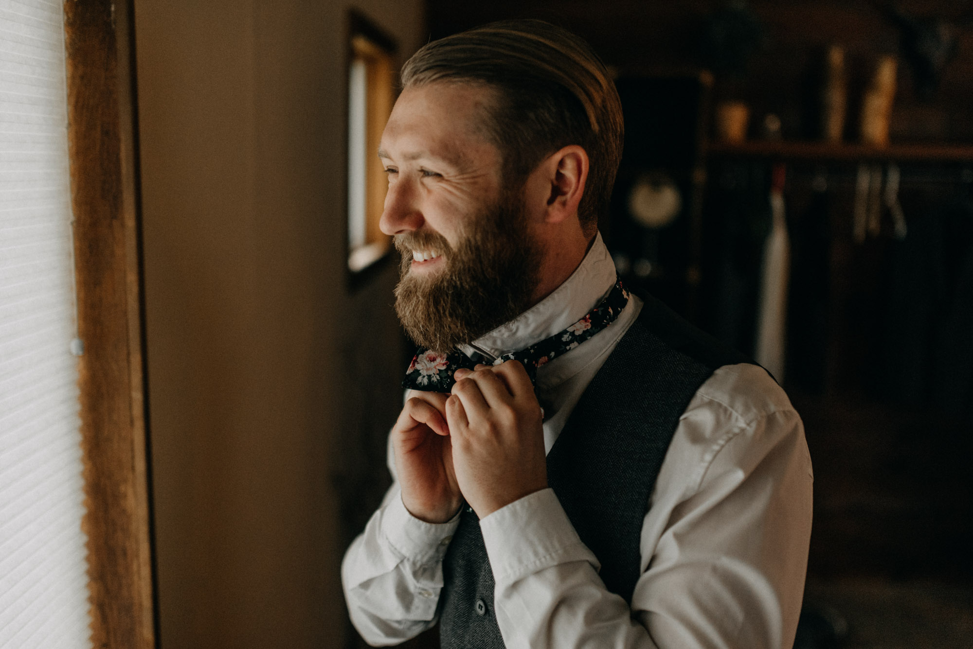 Getting-Ready-Swingset-Washington-Wedding-ringshot-7791.jpg