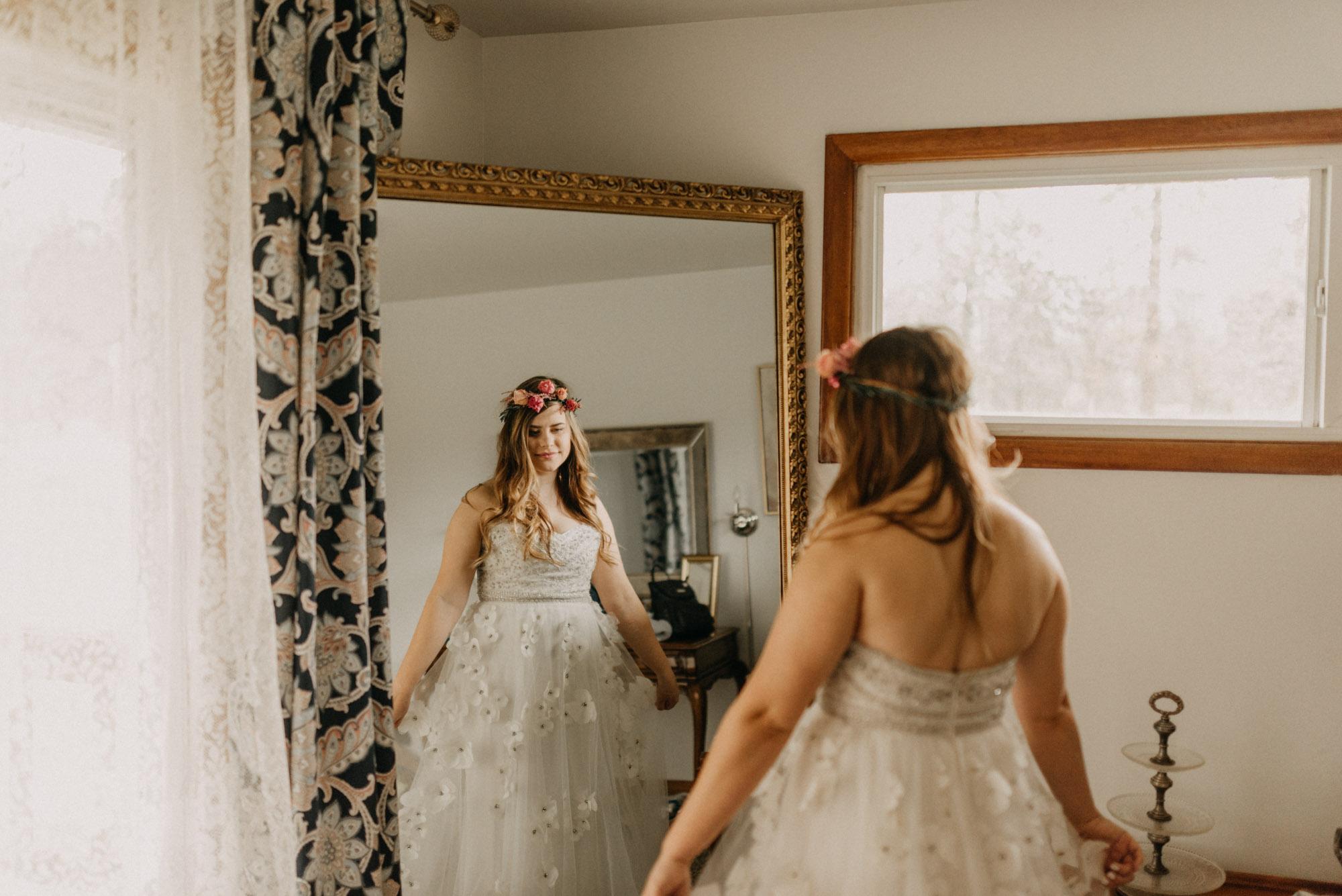 Getting-Ready-Swingset-Washington-Wedding-ringshot-8007.jpg