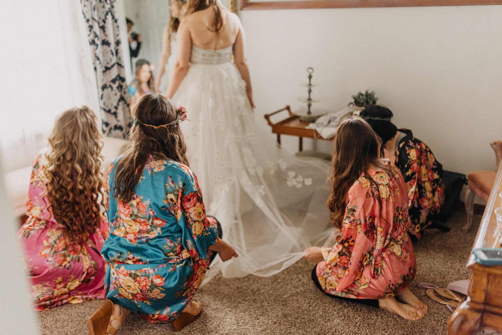 Getting-Ready-Swingset-Washington-Wedding-ringshot-8022.jpg