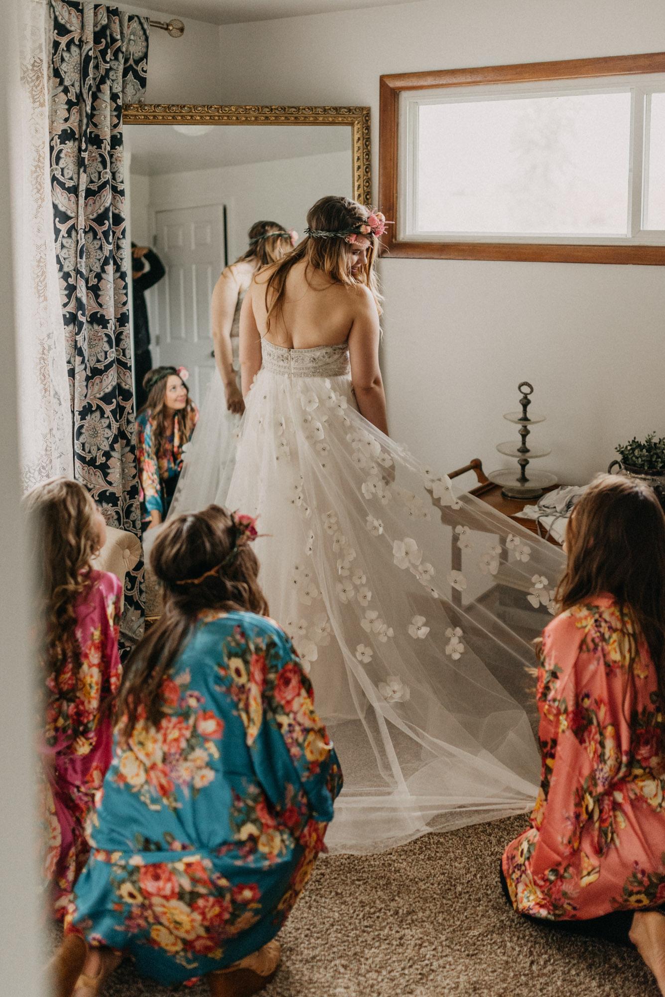 Getting-Ready-Swingset-Washington-Wedding-ringshot-8047.jpg