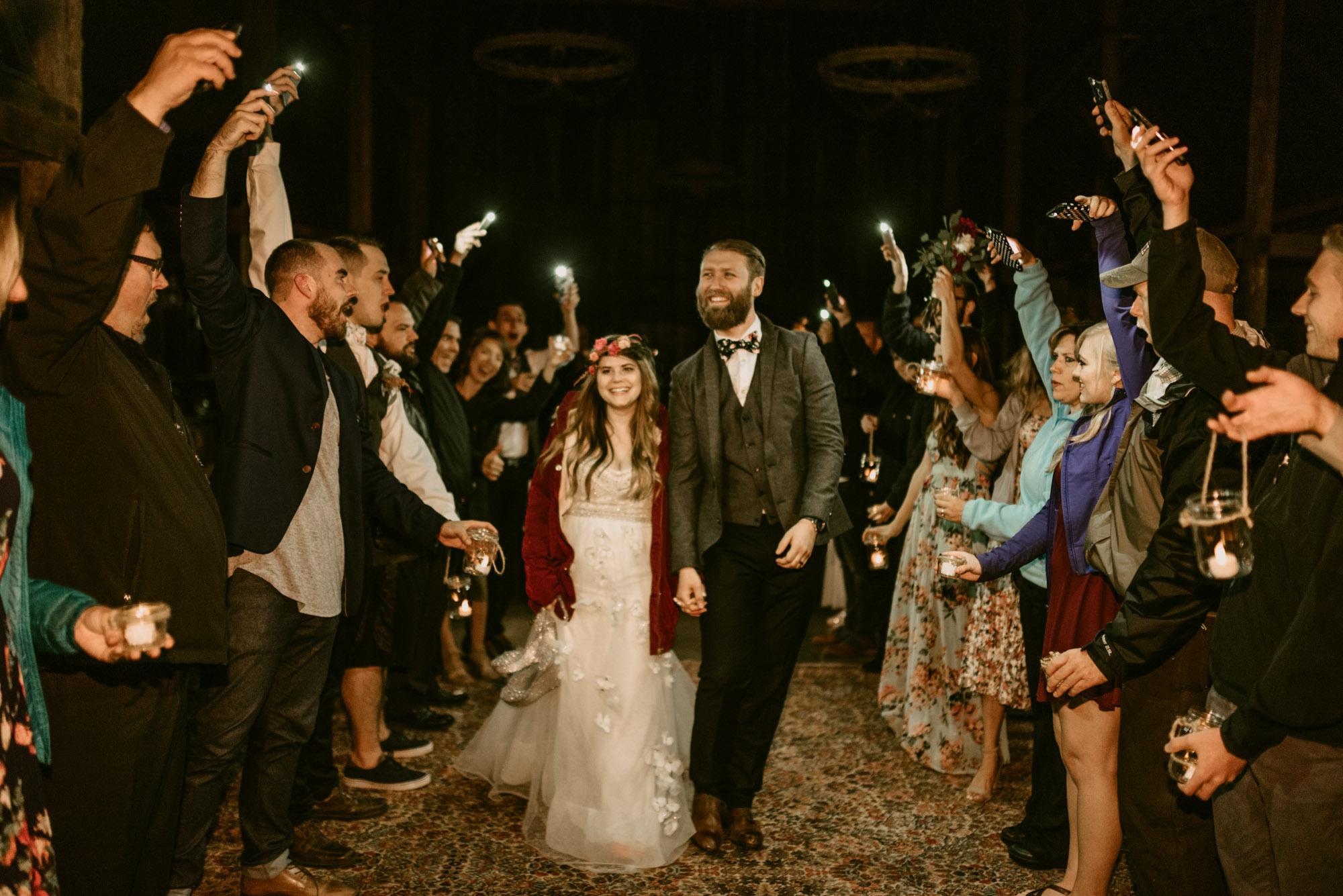 Indoor-Barn-Ceremony-Dancing-Washington-0164.jpg