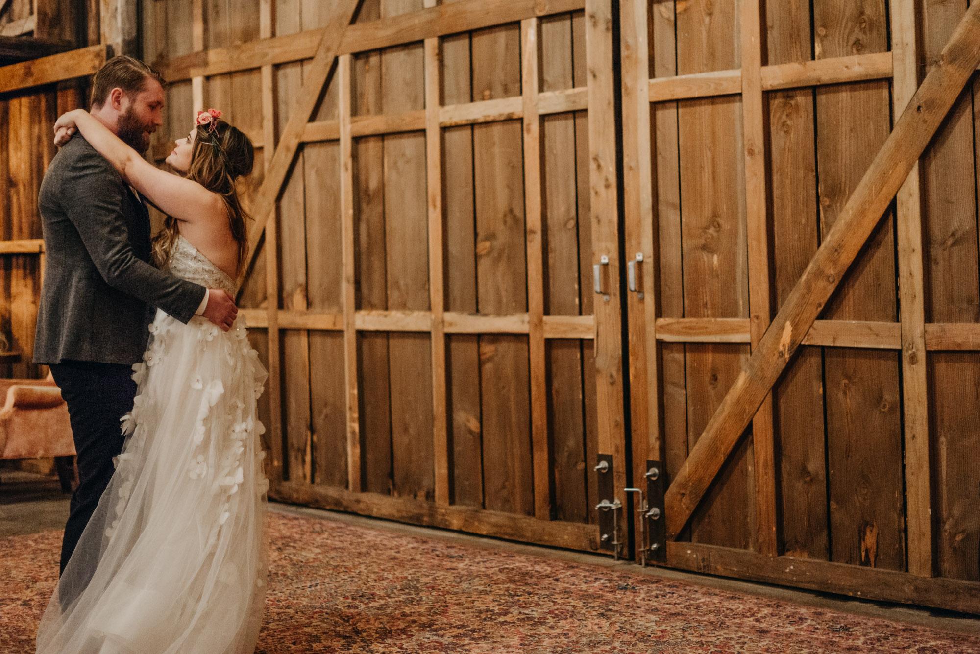 Indoor-Barn-Ceremony-Dancing-Washington-5681.jpg