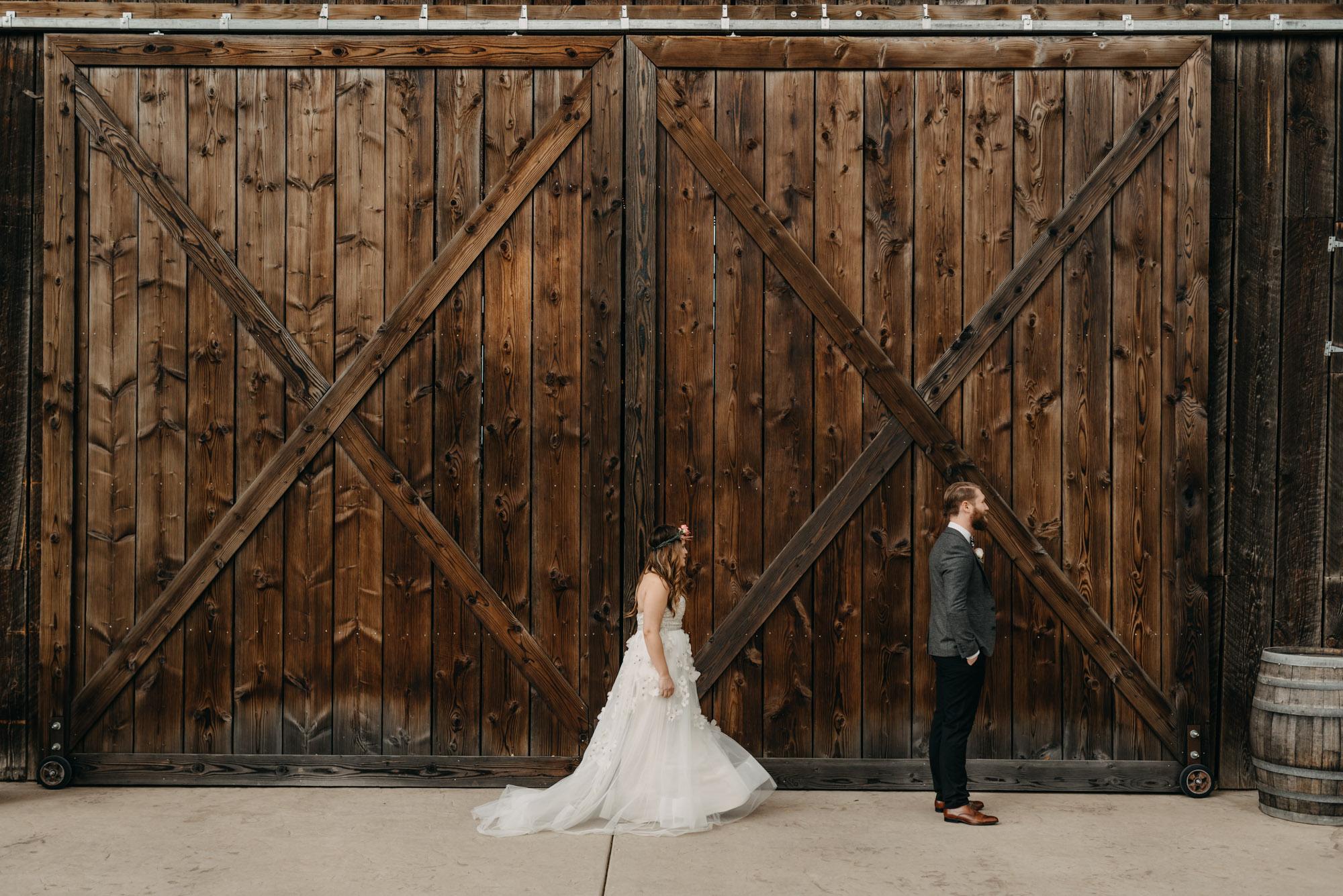 Outdoor-First-Look-Washington-Wedding-Barn-Door-8063.jpg