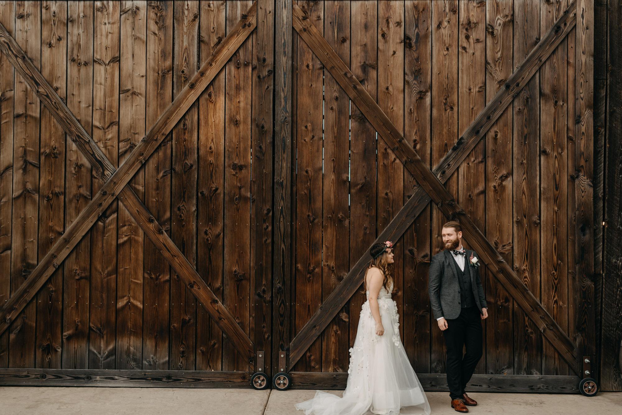 Outdoor-First-Look-Washington-Wedding-Barn-Door-8069.jpg