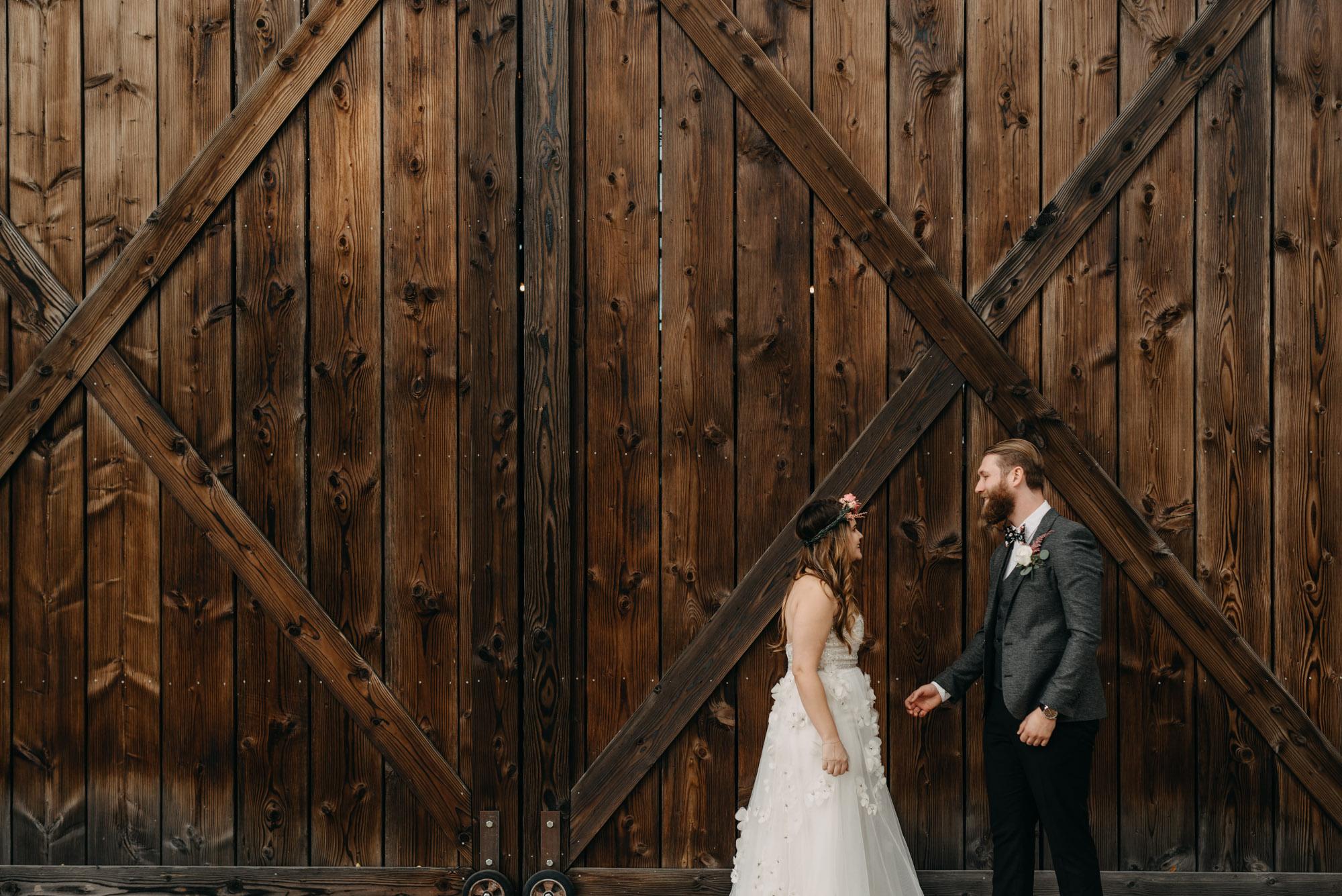 Outdoor-First-Look-Washington-Wedding-Barn-Door-8071.jpg