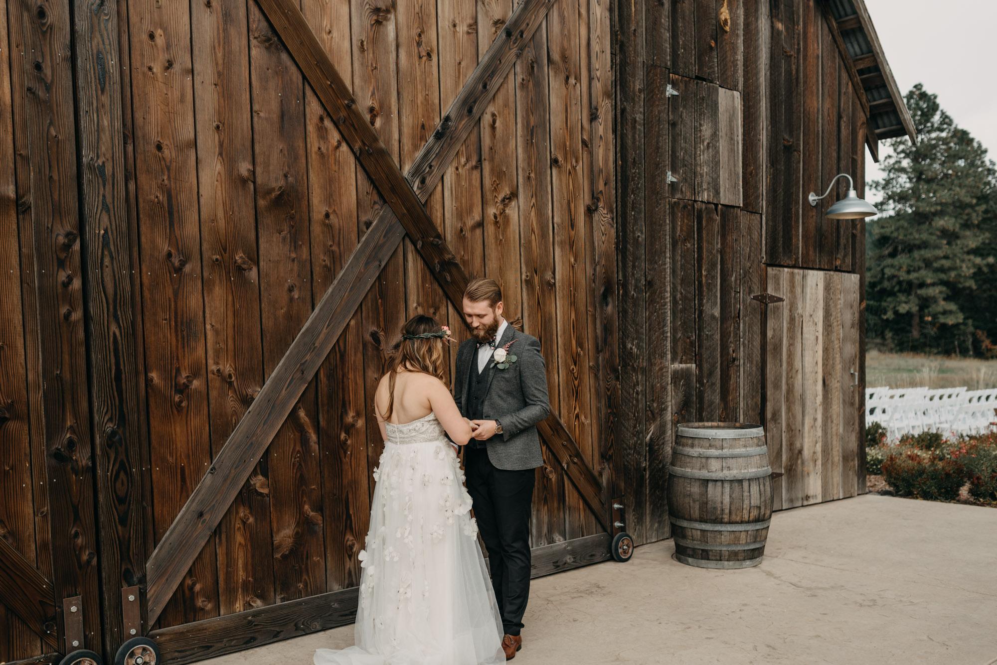 Outdoor-First-Look-Washington-Wedding-Barn-Door-8093.jpg