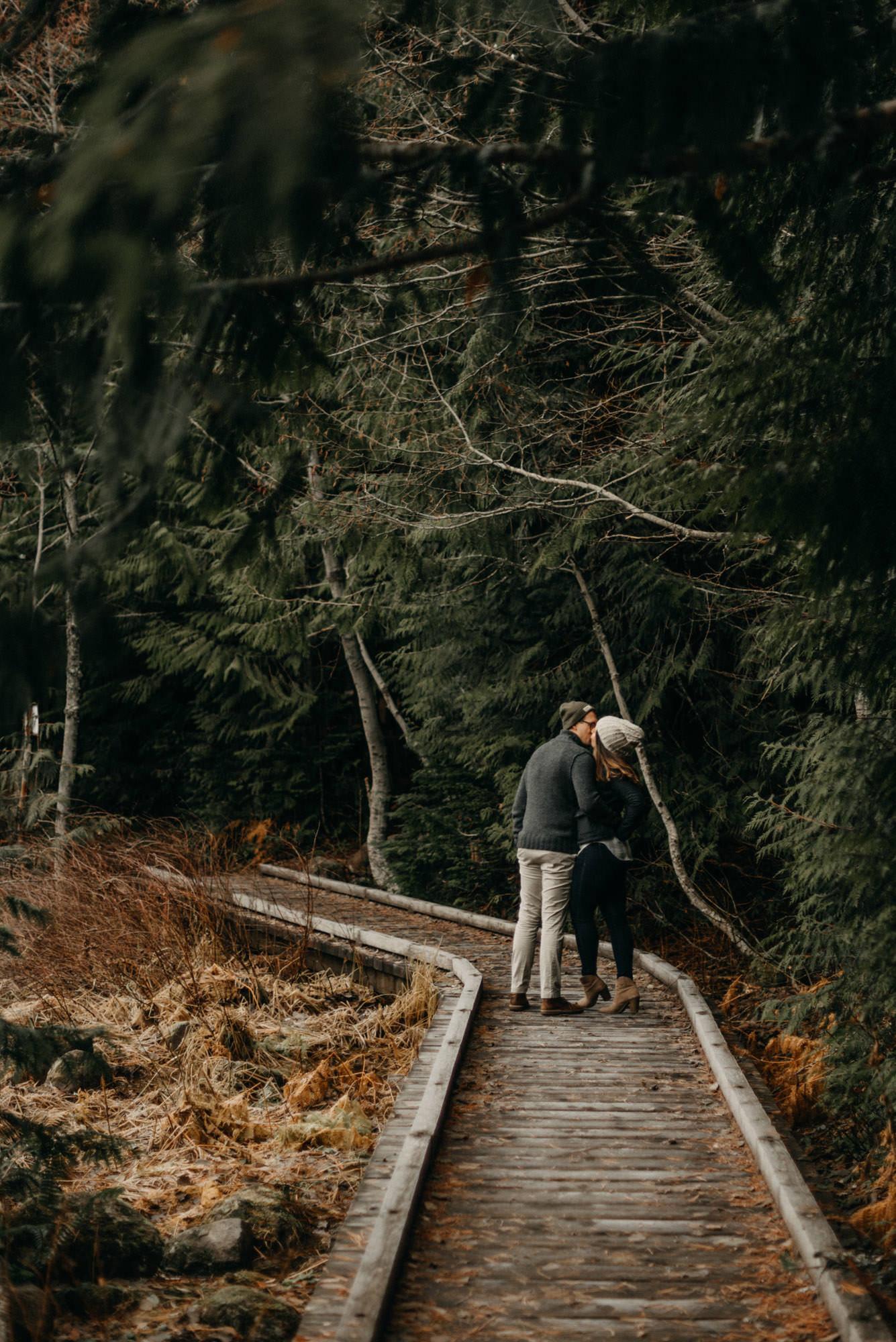 mt-hood-lake-trillium-engagement-session-woods-8534.jpg
