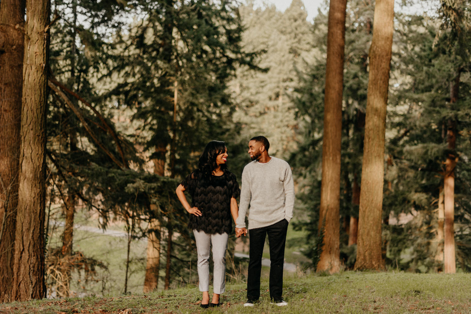 20Mt-Tabor-park-portland-engagement-photographer-trees-sunset.jpg