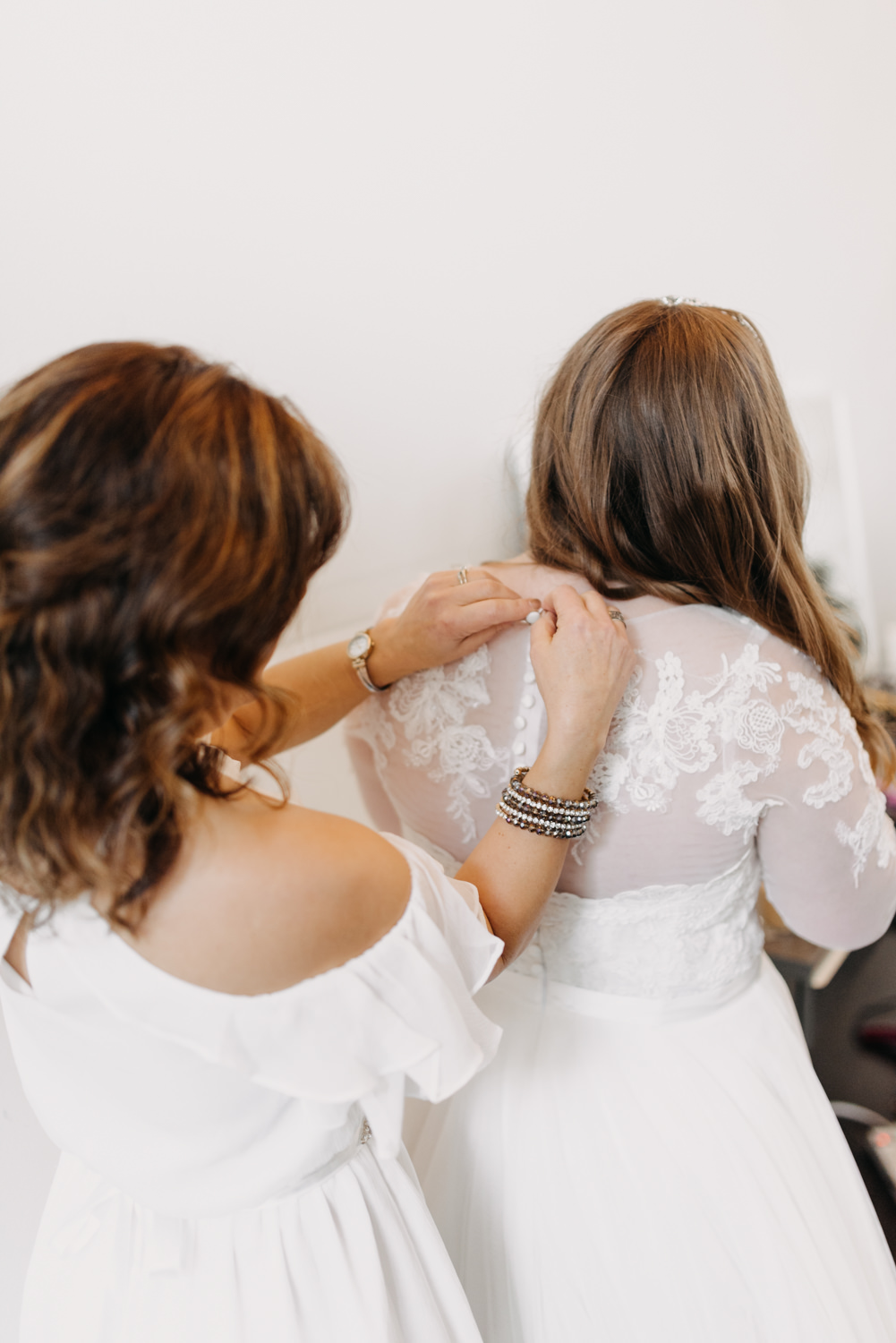 13Portland-Wedding-Getting-Ready-Daniel-Wellington.jpg