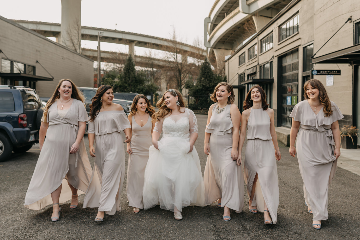 21Portland-Wedding-Getting-Ready-bridesmaids-pearl-district.jpg