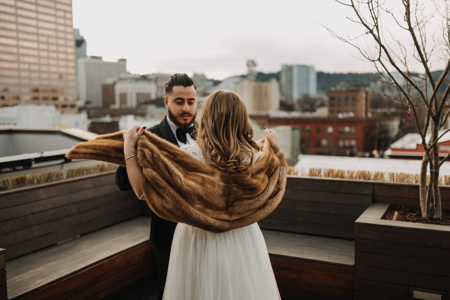 40Portland-Wedding-first-look-society-hotel-downtown.jpg