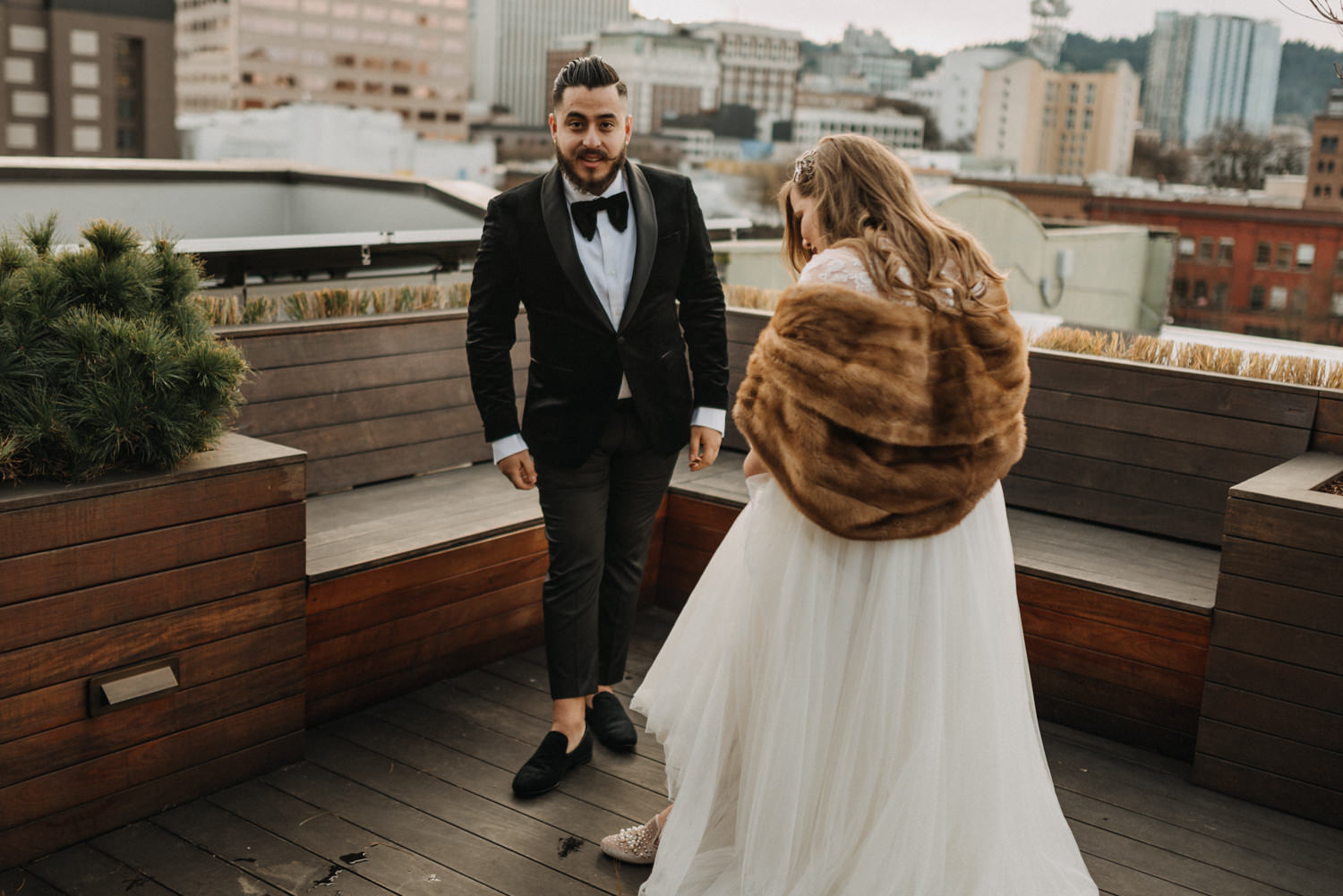 41Portland-Wedding-first-look-society-hotel-downtown.jpg
